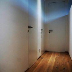 weiße holztüre ohne türstock Designtüre